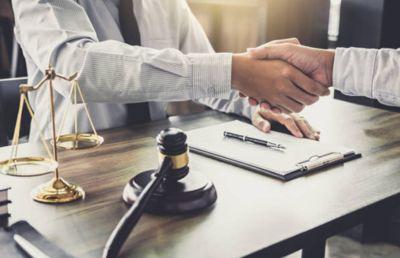 Equipo abogado y perito particular para declarar ante el juez